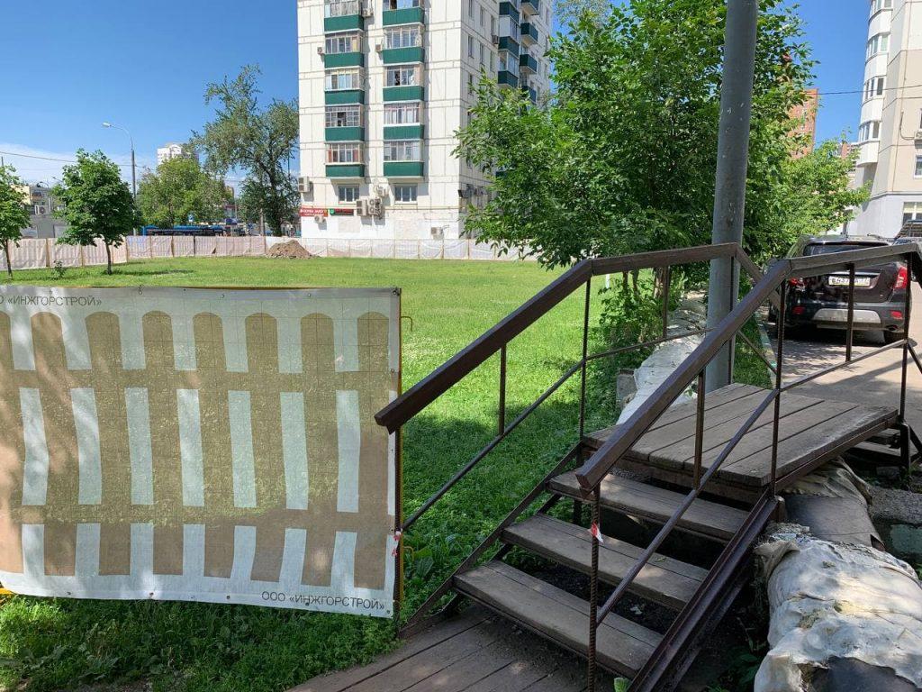 В Кузьминках демонтируют системы наружного теплоснабжения. Автор фото: Александр Чикин