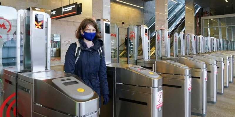 Контроль за масочно-перчаточным режимом в транспорте в ближайшее время будет усилен. Фото: mos.ru